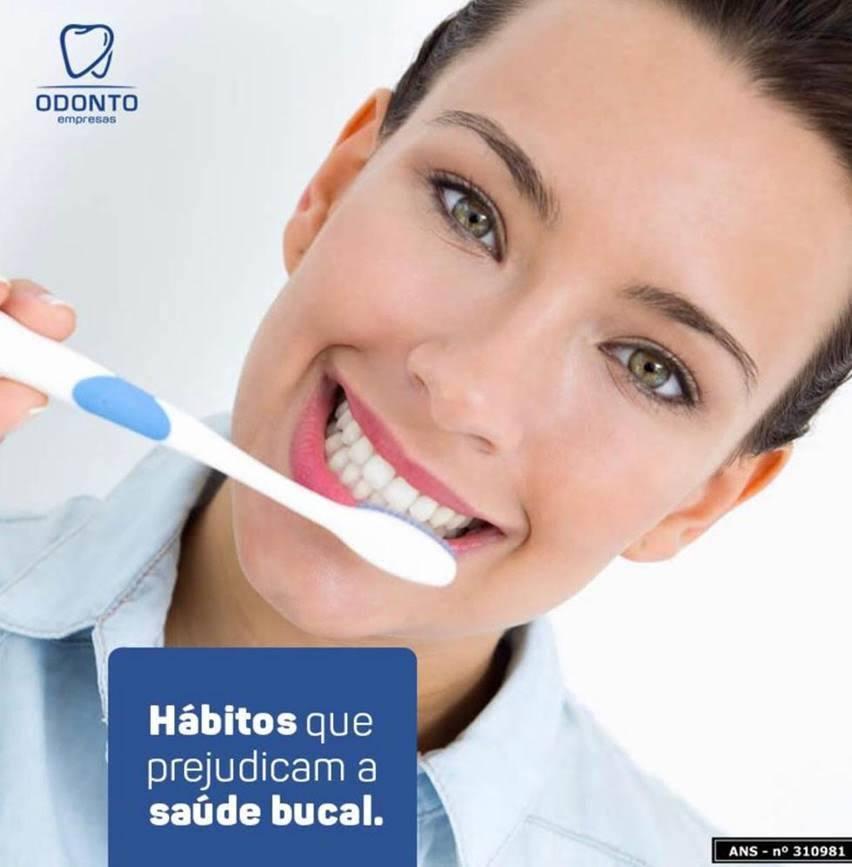 Hábitos que prejudicam a Saúde bucal